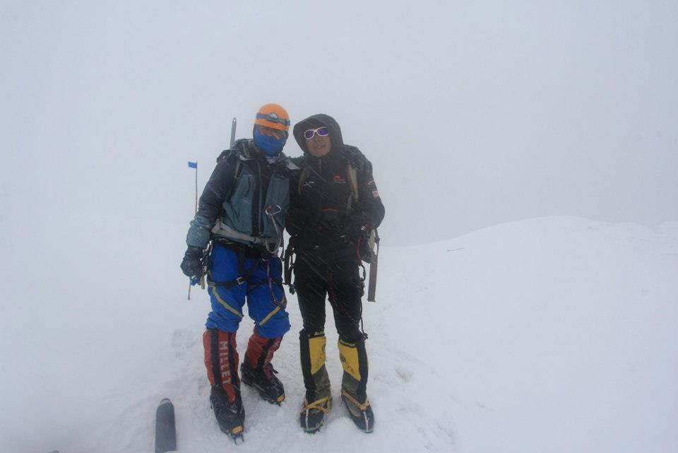 Samina Baig and her brother climbing Everest. PHOTO: Pakyouthoutreach